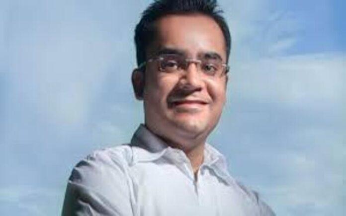 बिना किसी पूँजी के अपने बेडरूम से ही बहुराष्ट्रीय कंपनी बनाने वाले युवक Varun Shoor की दिलचस्प कहानी
