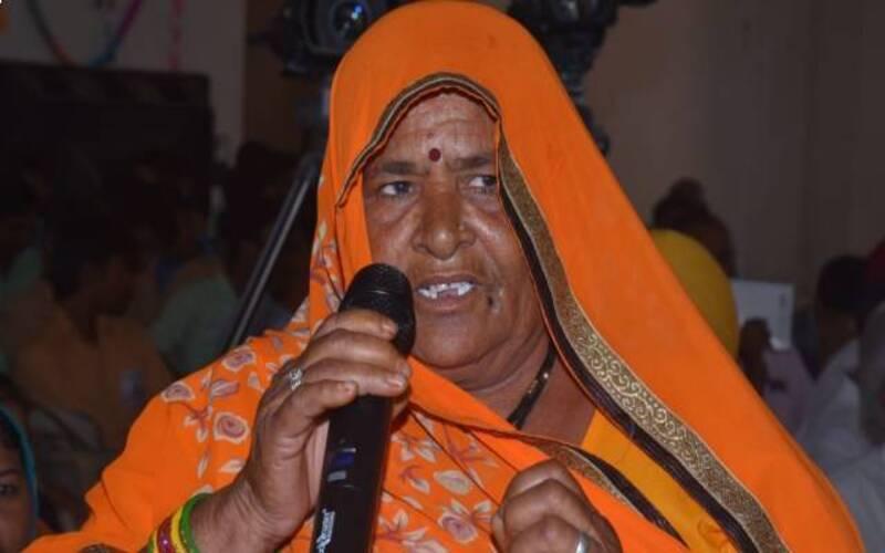 राजस्थान की महिला किसान Bhagwati Devi अद्भुत तरीके से फसलों को दीमक से बचाती हैं