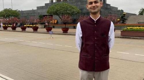 IAS topper story in Hindi